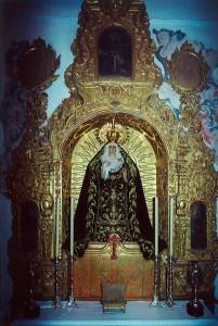 la-Virgen-en-el-altar-del-Resucitado1